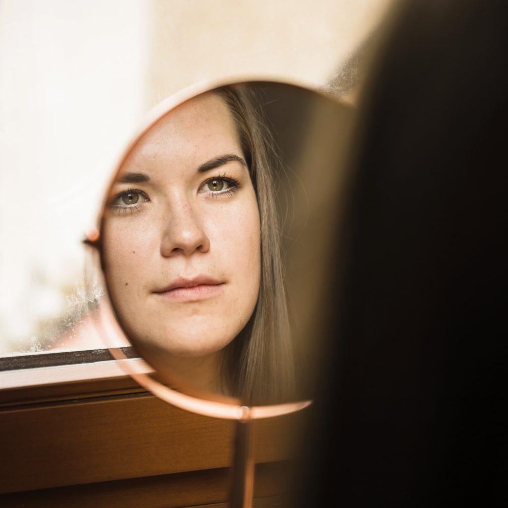 A ampliação do autoconhecimento exige reflexão profunda