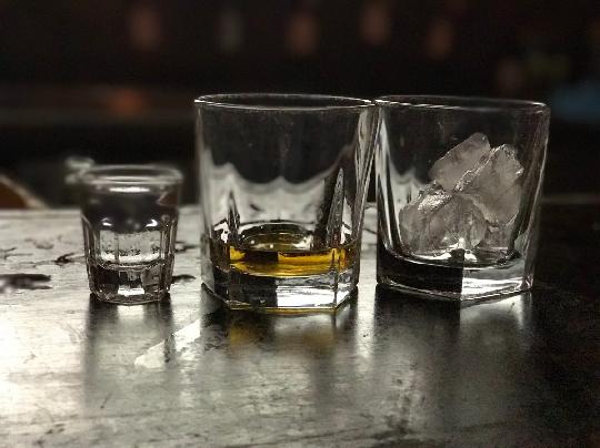 Consumo de álcool entre jovens e seus malefícios