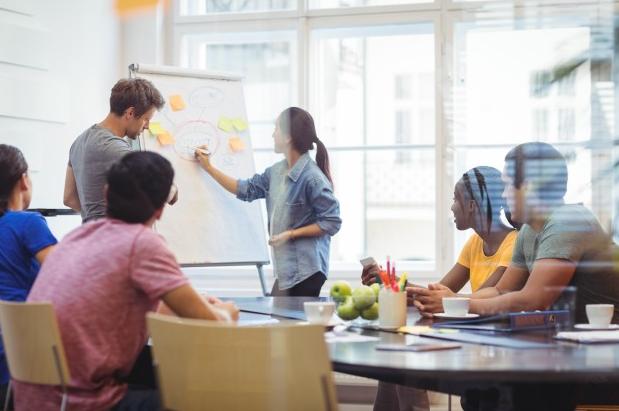 O convívio sadio do grinvex é baseado na amizade, e compartilhar seus planos e acompanhar o desenvolvimento dos colegas é motivador.
