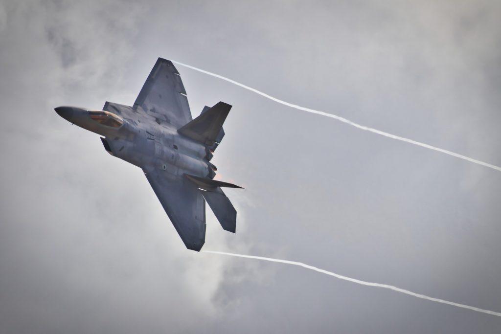 O militarismo é a organização ou sistema político vinculado às Forças Armadas (Exército, Marinha e Aeronáutica).
