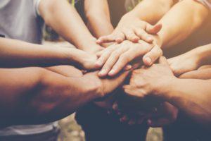 O grupo de estudos e pesquisa em invéxis é um dos apoios ao jovem inversor existencial.